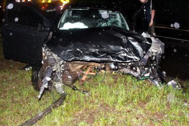 Batida frontal entre carro e caminhão deixa dois feridos na BR-282 em Herval