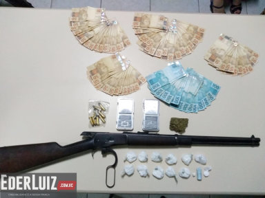 Operação na Rua São Paulo apreende drogas, arma e dinheiro do tráfico