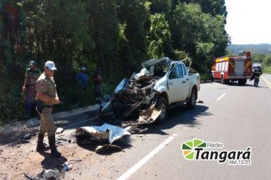Acidente deixa vítimas presas as ferragens na SC 135 em Tangará