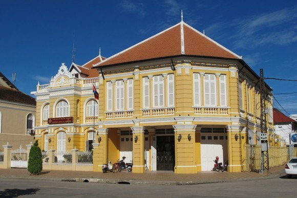 Explore the French Colonial Architectural highlights of Battambang