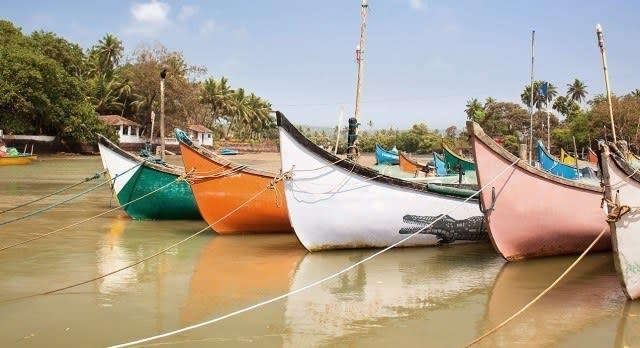 Boote vor der Küste Goas