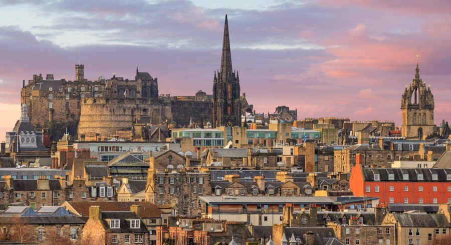 Enchanting Travels UK & Ireland Tours Old town Edinburgh and Edinburgh castle in Scotland UK