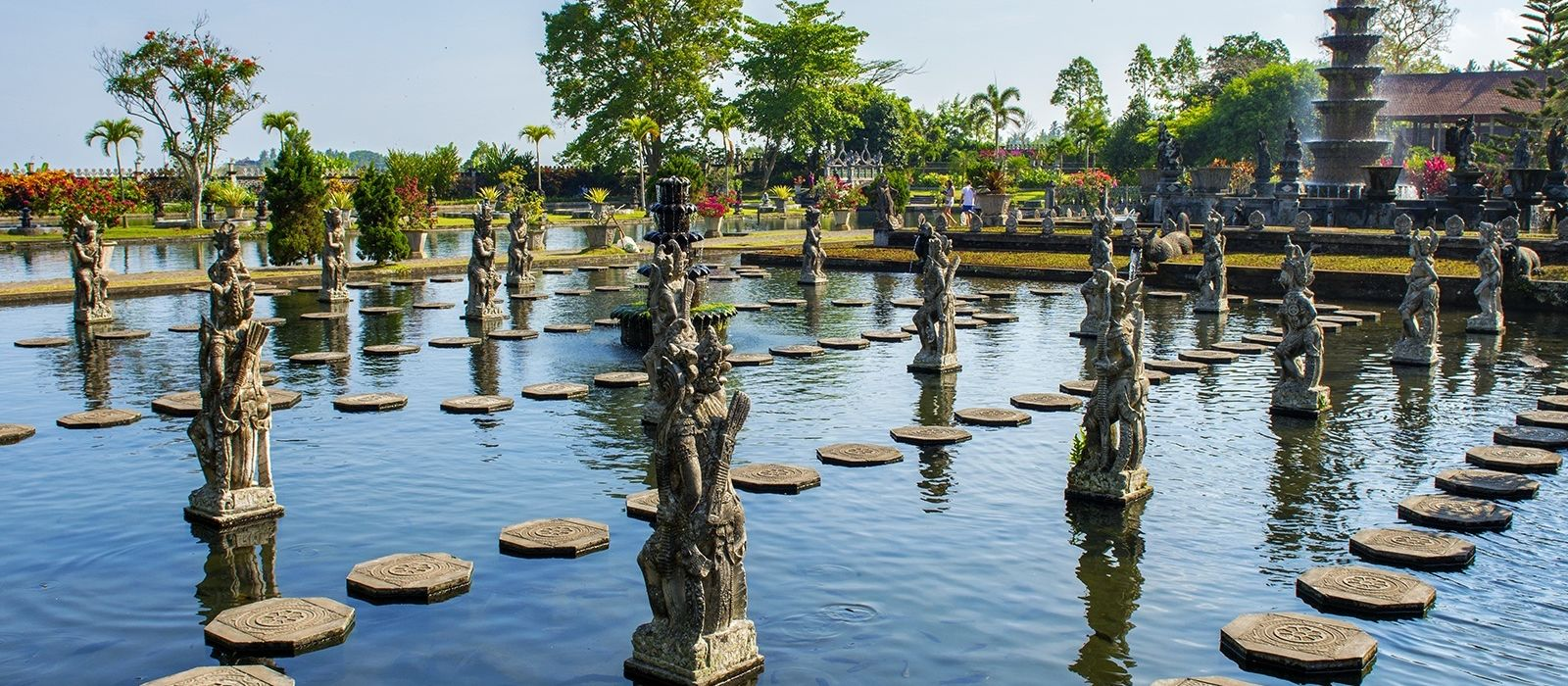 Ancient Worlds and Dragons of Indonesia Tour Trip 4