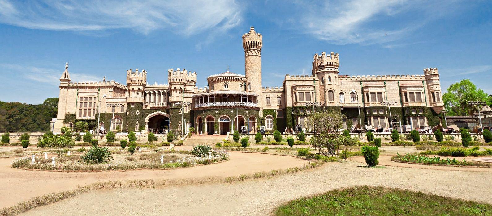 South Indian Splendor – Palace, Hills, Temples & Backwaters Tour Trip 1
