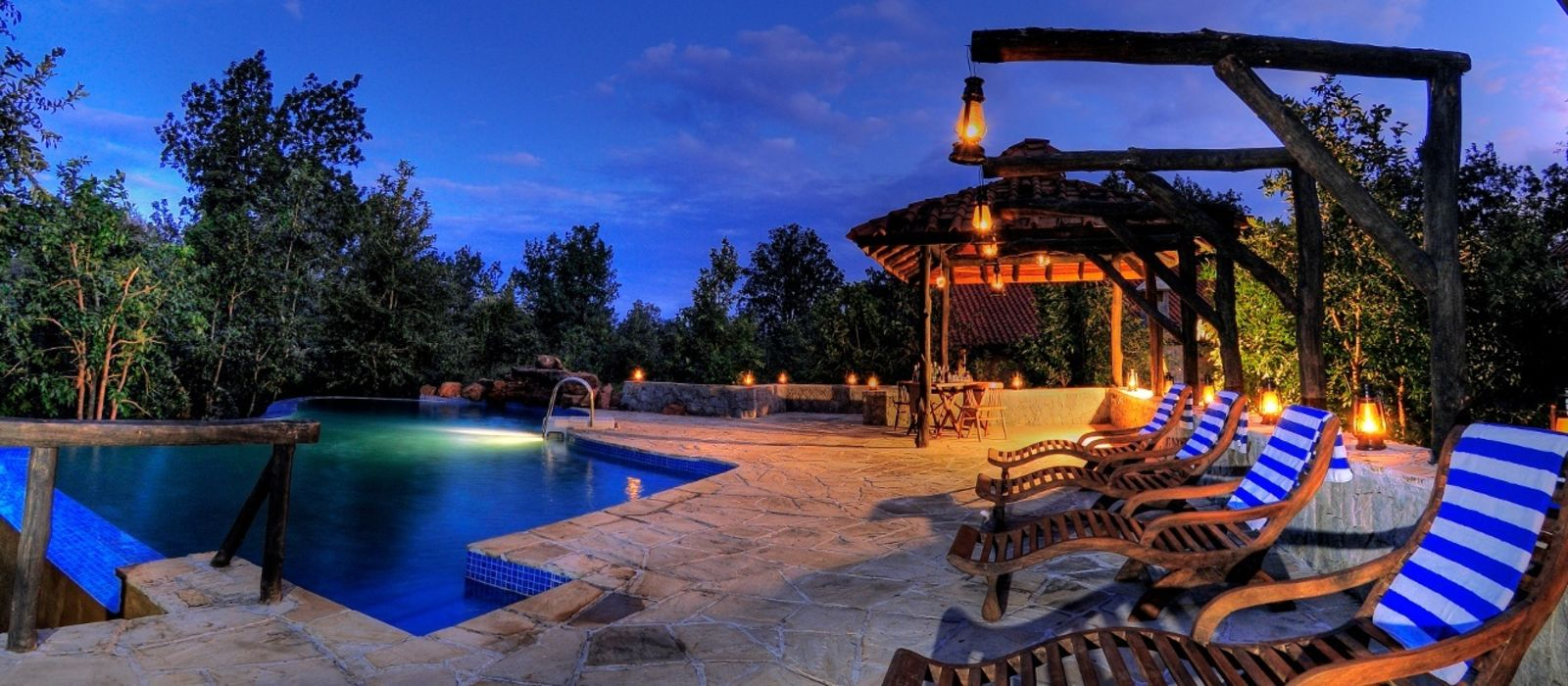 Hotel Kanha Earth Lodge Zentral- & Westindien