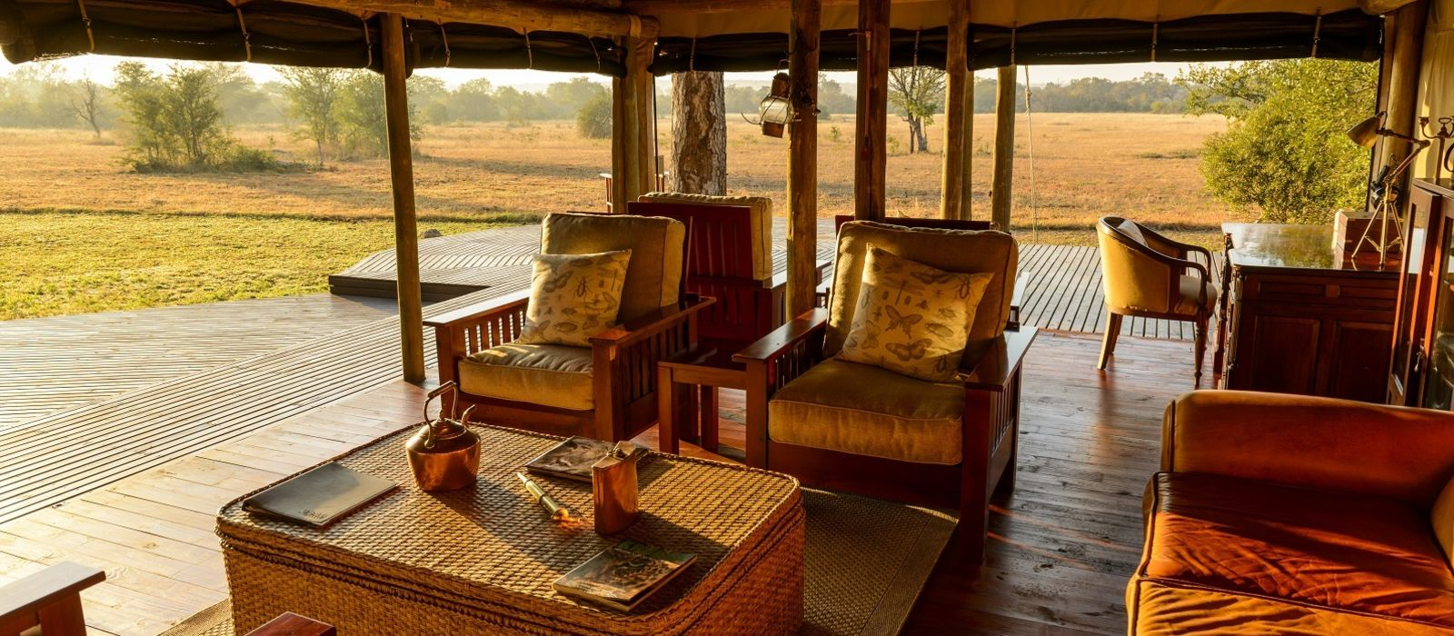 Hotel Rhino Safari Camp Zimbabwe
