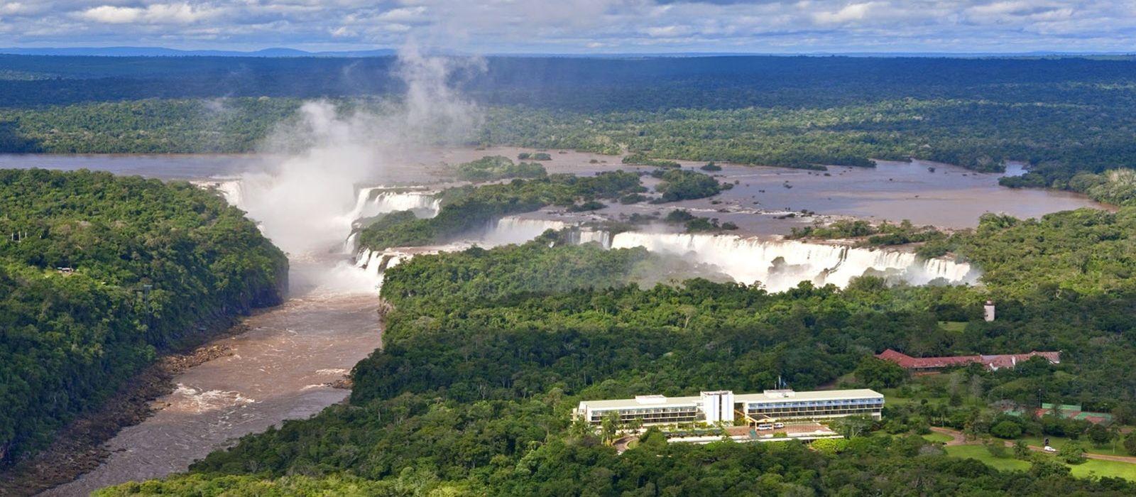 Glaciers, Wildlife & Waterfalls in Argentina Tour Trip 6