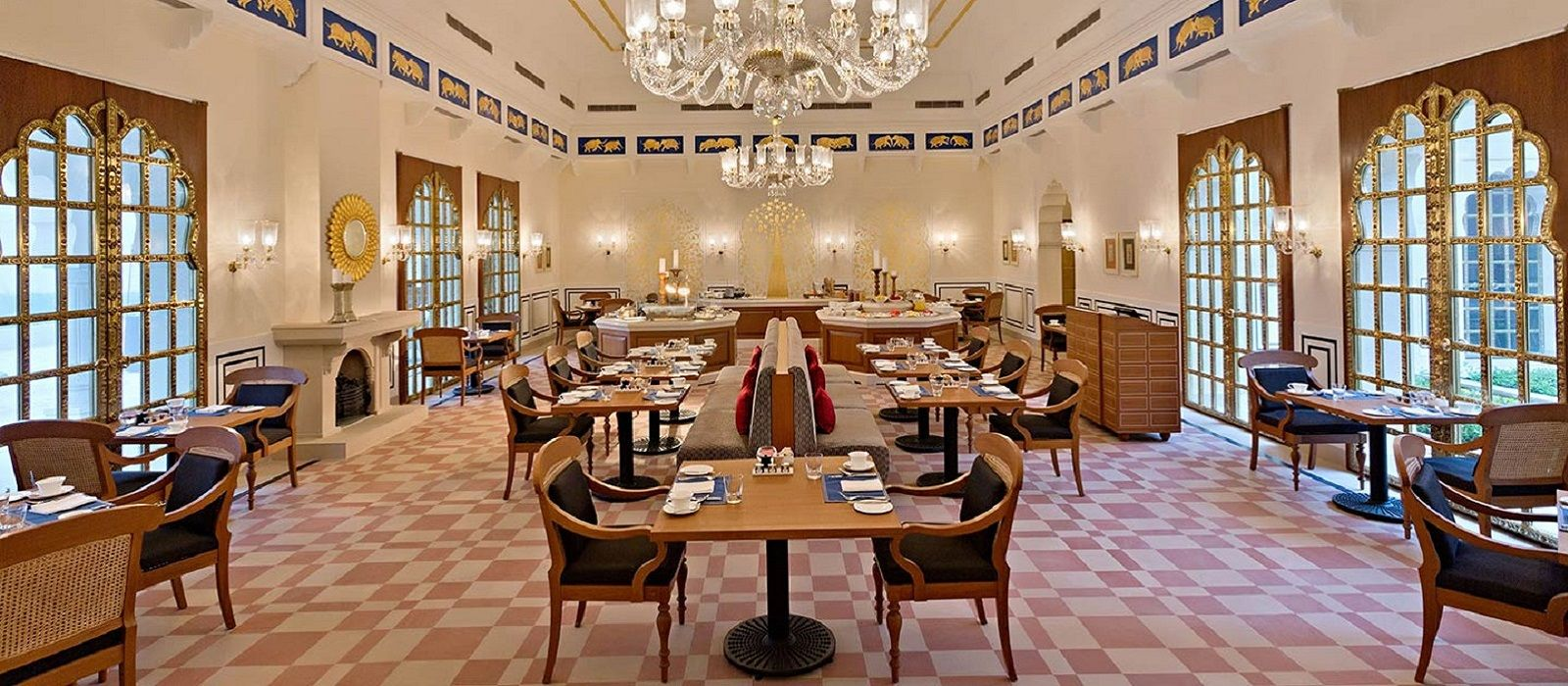 Hotel The Oberoi Sukhvilas Resort & Spa North India