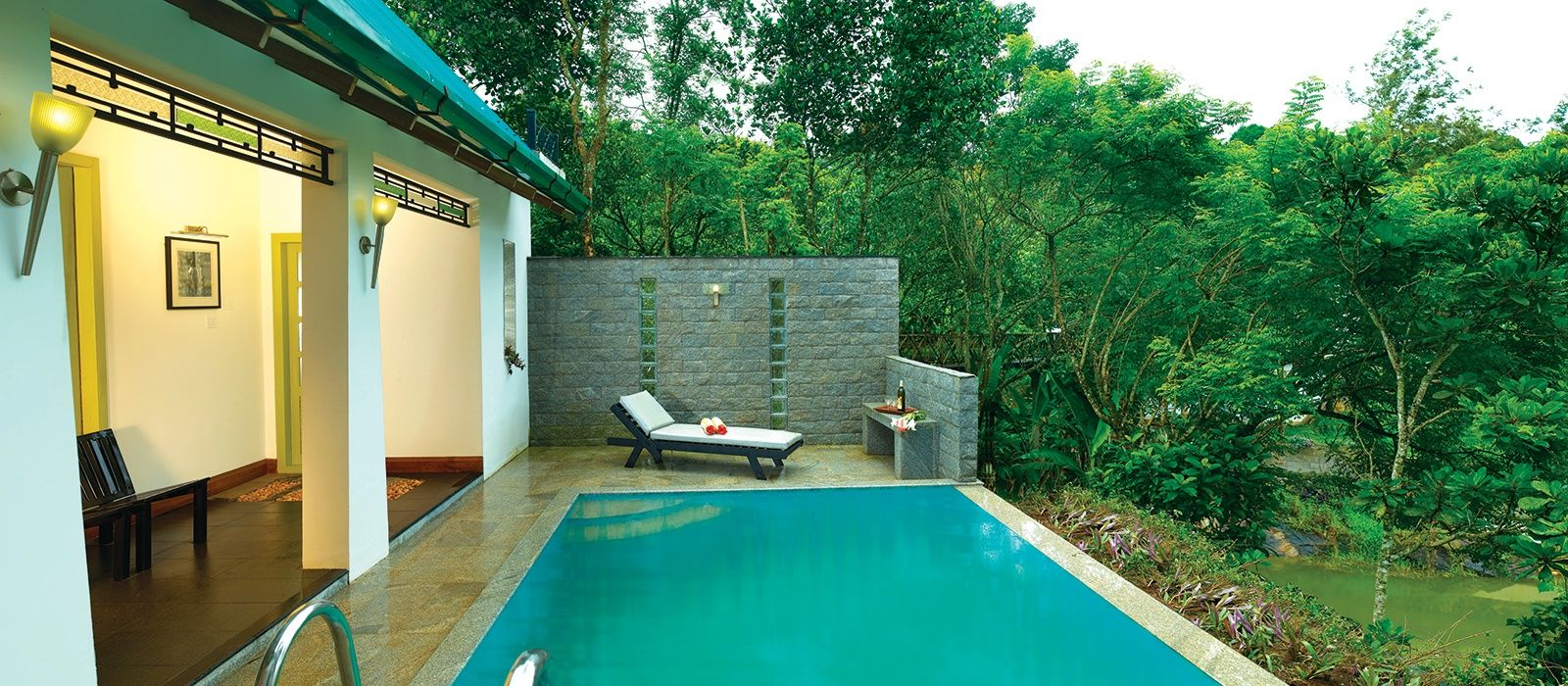 Hotel Aanavilasam Luxury Plantation South India
