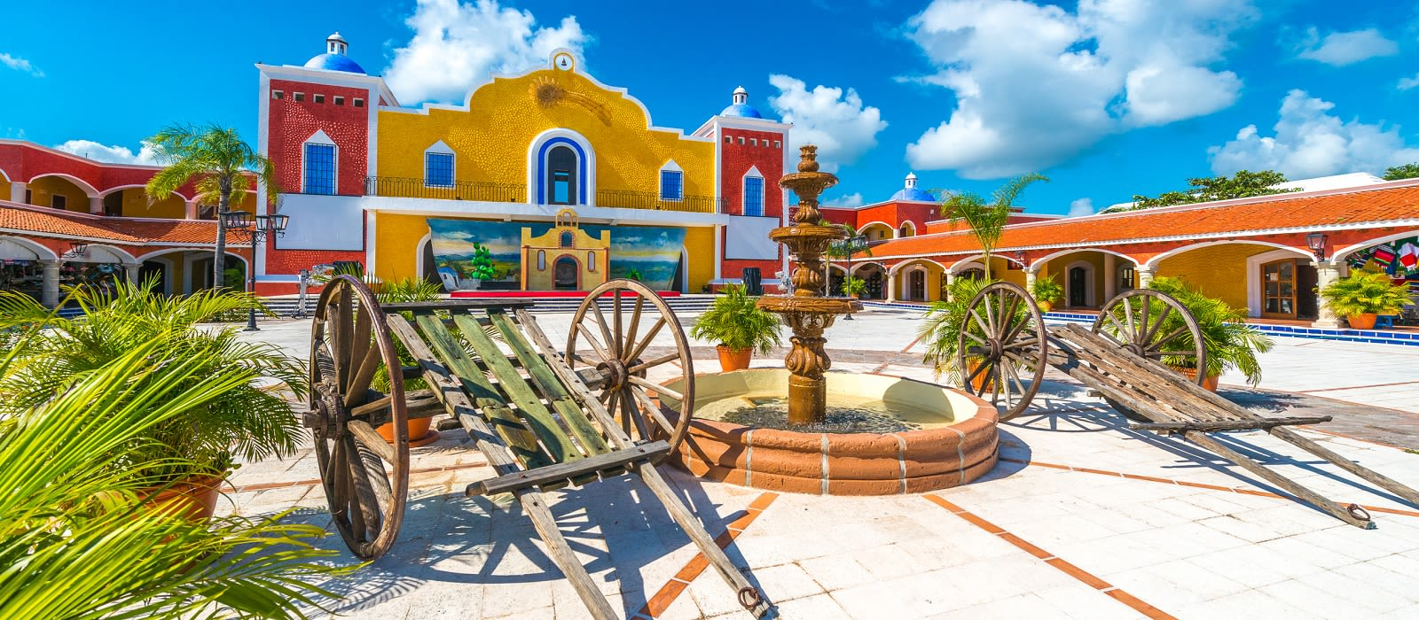Classic Mexico: Mayan Ruins, Heritage and Beach Tour Trip 1
