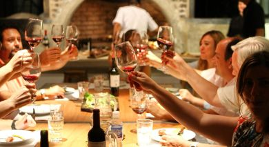 Example private tour: Dine with South Africa's Winemakers