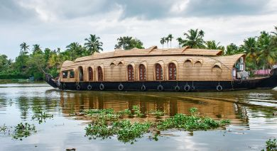 Example private tour: Backwaters of Kerala – Australia Special