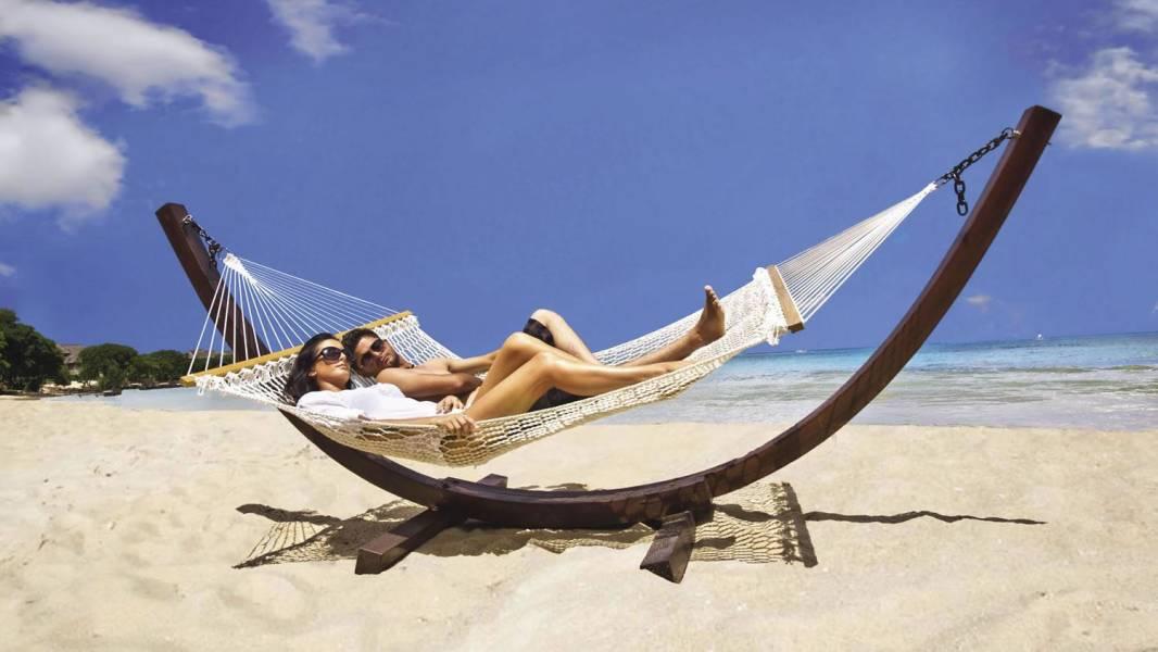 hammock couple