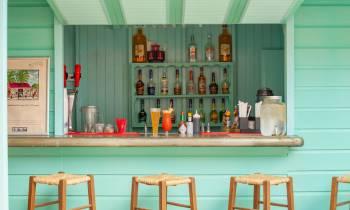 Colin's Beach Bar & Grill