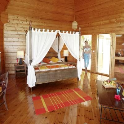 Meeru Island Resort & Spa, Water Villa