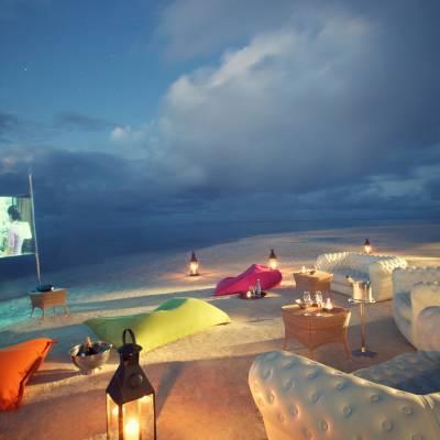 Screen on the beach