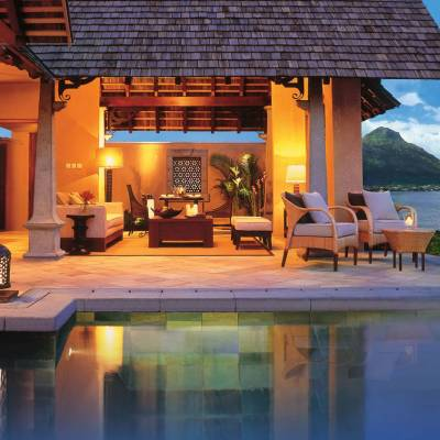 Beachfront luxury suite pool villa
