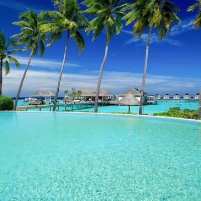 The Island Club pool
