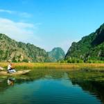 Kristallklarer See in Ninh Binh