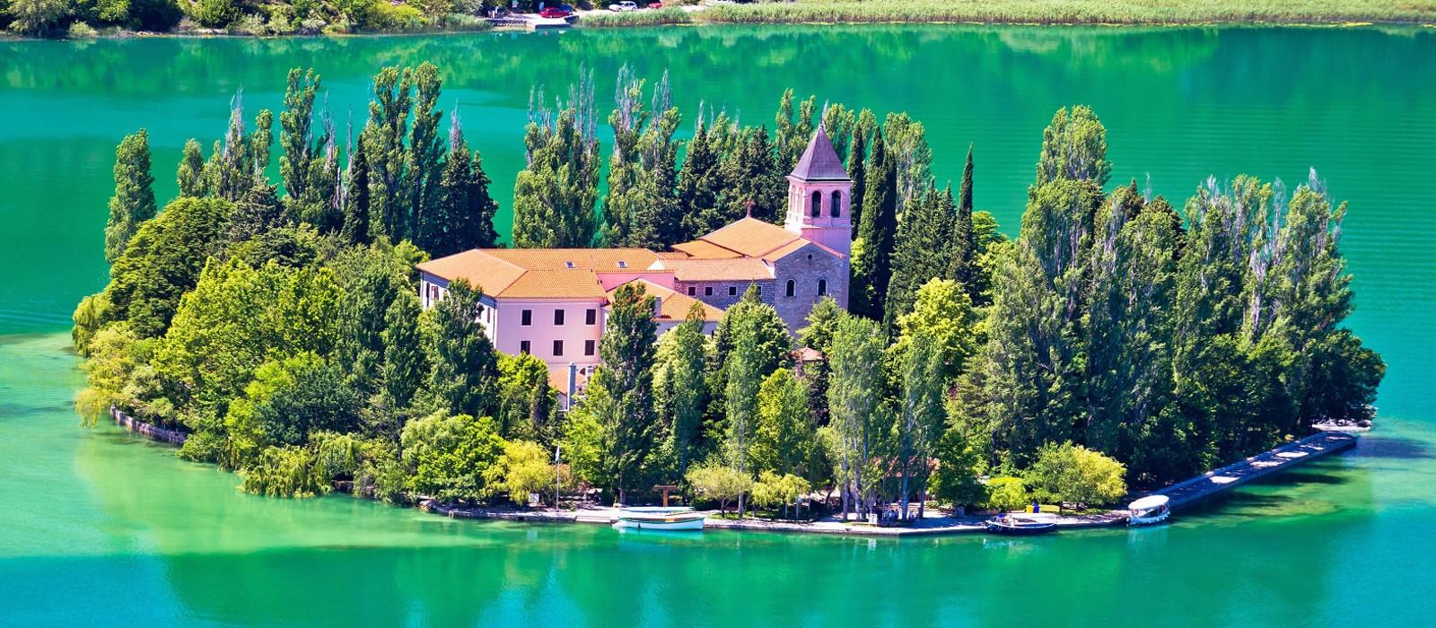 Visovac Insel mit Kloster in Dalmatien, Kroatien