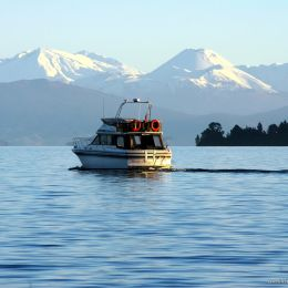 New Zealand-Lake-Taupo-Lake-Taupo-Destination-Lake-Taupo