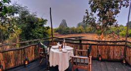Privates Abendessen im Tree House Hideaway Bandhavgarh Indien