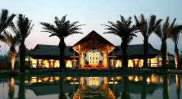 Enchanting Travels - Thailand Reisen - Khao Lak - Beyond Resort Khaolak - Außenansicht bei Nacht