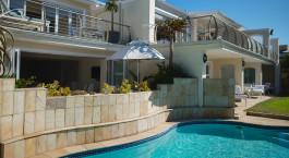 Pool im The Last Word Long Beach in Kapstadt, Südafrika