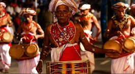 Highlights of Sri Lanka - Experience the festival of Perahera at Kandy in Sri Lanka with Enchanting Travels - Top Ten Things to do in Sri Lanka