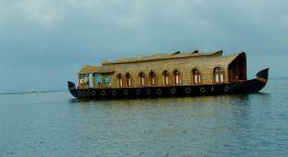 Kumarakom Houseboat, Lake Resort Houseboat, Kerala, South India, Asia