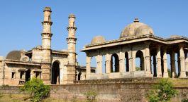 Die schönsten Paláste auf Rundreisen durch Indien: Vadodara