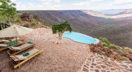 Außenpool im Hotel Grootberg Lodge in Damaraland (Palmwag), Namibia