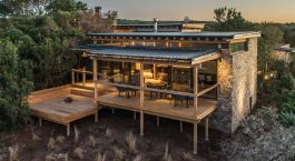 Exterior view of Kariega Ukhozi Lodge Hotel, Eastern Cape Game Parks in South Africa