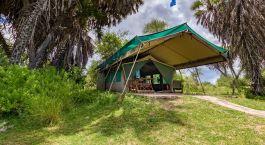 Zelt Außenansicht im Lake Manze Camp Hotel in  Selous, Tansania
