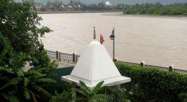 Enchanting Travels - Indien Reisen - Hotel Ganga Kinare - Fluss