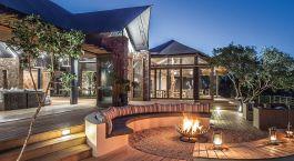 Lagerfeuer im  Kariega Settlers Drift Hotel in Südafrika, Eastern Cape Wildschutzgebiete