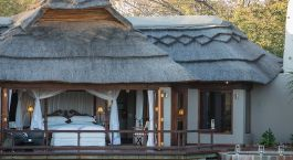 Exterior view of a guest villa at Jamala Madikwe Royal Safari Lodge Hotel, Madikwe in South Africa