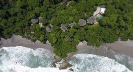 Vogelperspektive des Arenas del Mar Hotels in Manuel Antonio, Costa Rica