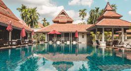 Pool und Poolhaus im Bodhi Serene in Chiang Mai, Thailand
