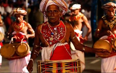 Highlights of Sri Lanka - Experience the festival of Perahera at Kandy in Sri Lanka with Enchanting Travels - Top Ten Things to do in Sri Lanka