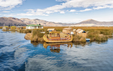 Puno-Traditional-Reed-boat lakeTiticaca-Peru-Uros-South-America