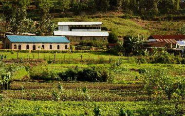 Dorf am Lake Kivu in Ruanda
