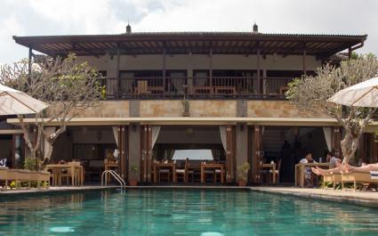 Munduk-Moding-Coffee-Plantation-Nature-Resort-Pool