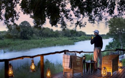 Terrasse im Lion Sands Tinga Lodge Hotel im südlichen Krüger, Südafrika