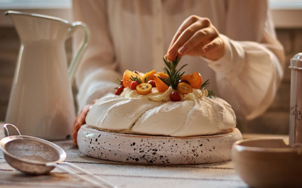 cuisine in Australia - pavlova