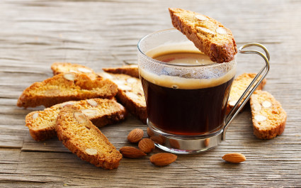 Enchanting Travels Italy Tours Italian biscotti cookies with a cup of coffee