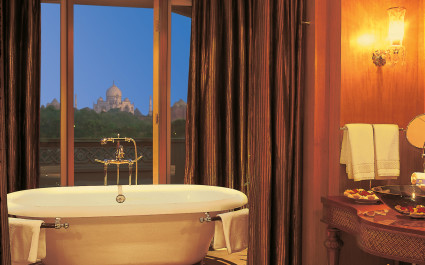 Enchanting Travels India Tours Agra Hotels The Oberoi Amarvilas Agra 019-The Oberoi Amarvilas, Agra - Exterior (13)