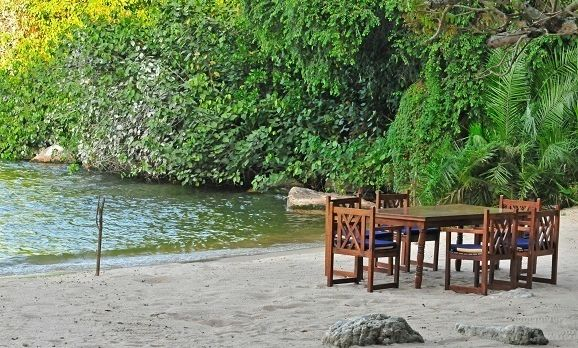 Asilia - Rubondo - Lake Beach Dining
