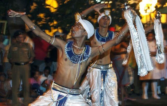 Traditionelle Tänzer in Sri Lanka