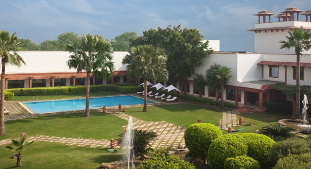 Enchanting Travels - North India Tours - Agra-The Trident Agra - exterior